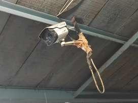 8 Vintage CCTV Cameras & 1 DVR Set & 1 FREE Gift