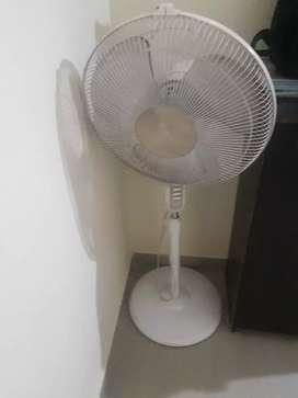 Bajaj fan in excellent condition