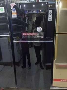 Kulkas 2 pintu LG glass door black