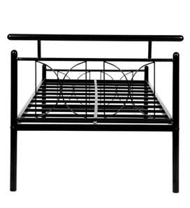 Iron bed very nice condition