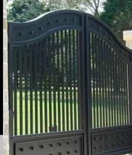 Pintu gerbang minimalis dan kombinasi GRC atau kayu