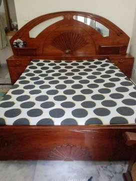 1 king size bed with dressing table for 30,000 and 5 seater for 25,000