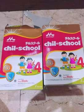 Dijual 2 box susu chil.school 4 uk 800 gr murah rasa madu