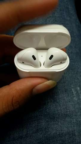 Airpods 100 % condition