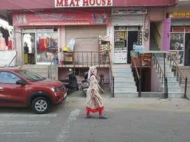 basment main 80ft road mahesh Nagar for rent