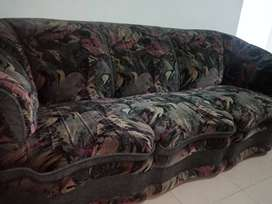5 seater Comfortable Sofa Set In Relatively Good Condition
