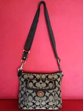 Tas import eks COACH sling bag kecil hitam knvas mix klit asli