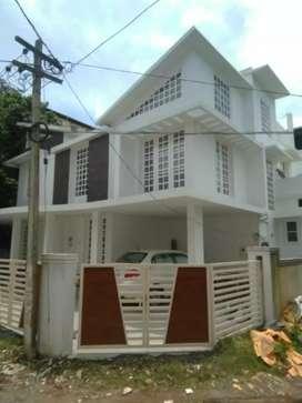 4.bhk 3000 sqft 5 cent posh house at ernakulam near kaloor