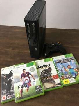 XBOX 360 with 4games