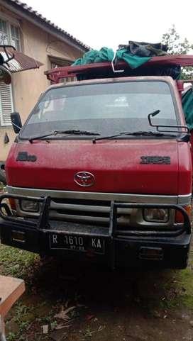 Toyota Dyna Rhino 6 roda tahun 2000