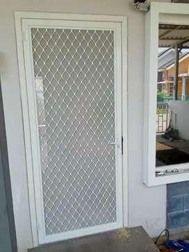 Pintu anti nyamuk, pintu kasa nyamuk aluminium, pintu ekspanda