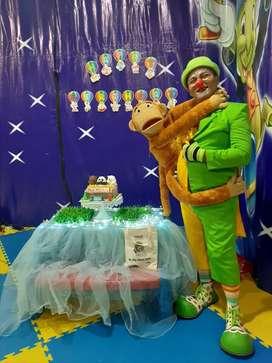 Badut sulap lucu dekor balon dan barongsai Badut akrobat surabaya