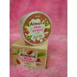 SHUGAR Almond Milk Cream / Anti Acne Cream Atasi Jerawat ORI THAILAND