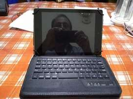 Acer tablet 9 inch , with blue tooth key board