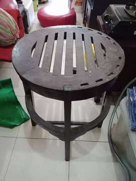Meja kayu kuno diameter 60cm