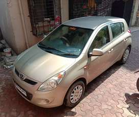 I 20 MAGNA WANT SELL URGENT 2ND OWNER CAR  IN OWESOME CONDITION