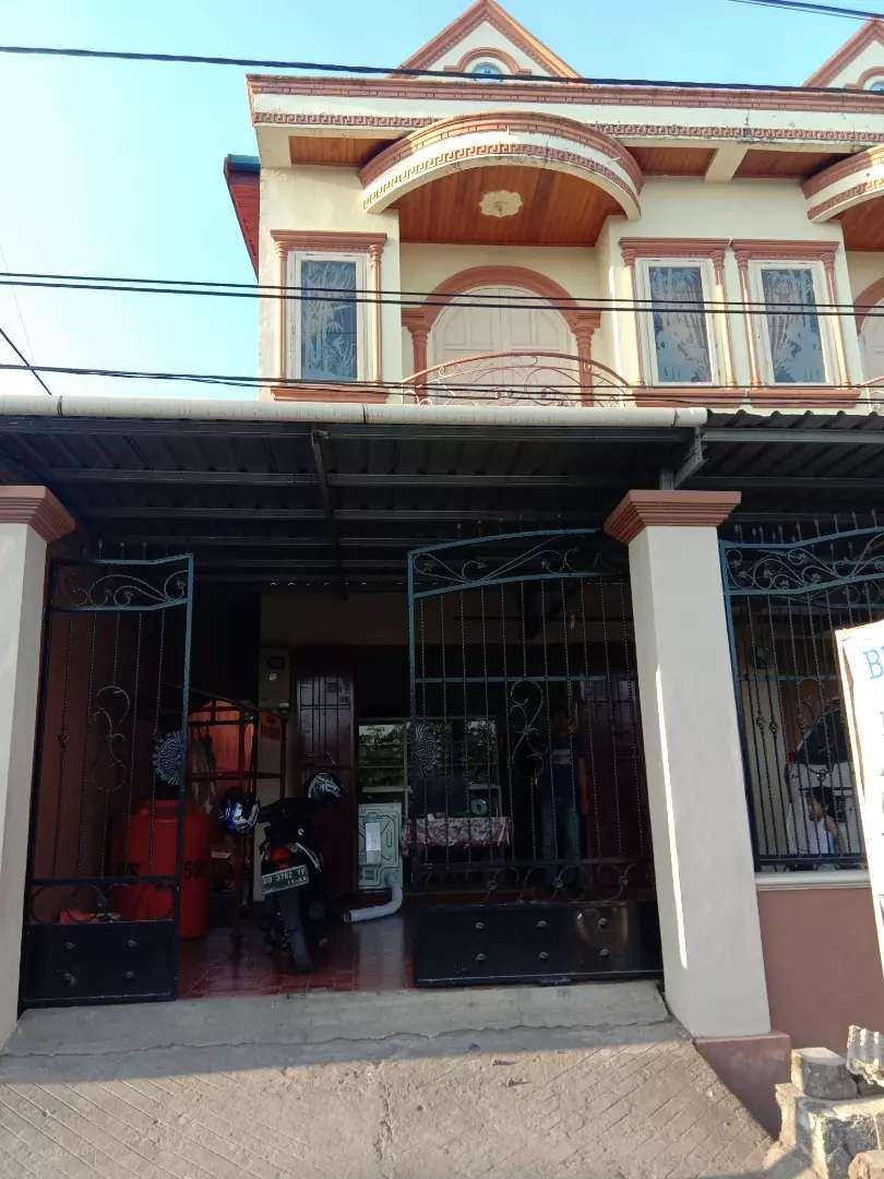 Ruko dan rumah mewah 2 lantai pinggir jalan 0