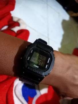 Di jual jam tangan keren di pakai dan koleksi,hadiah,kado dll