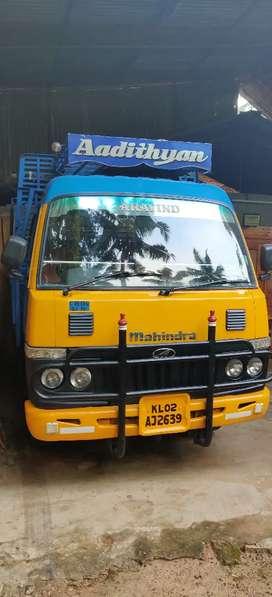 Mahindra mini lorry
