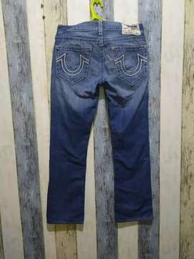 True Religion Straight Size 31 fit 33 Made in USA