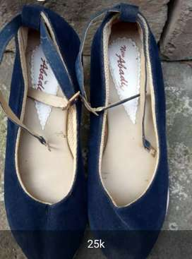 Obral sepatu heells