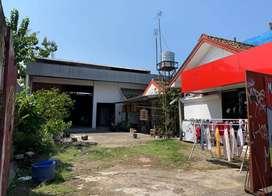 Gudang Strategis di Pinggir Jalan Ring Road Timur