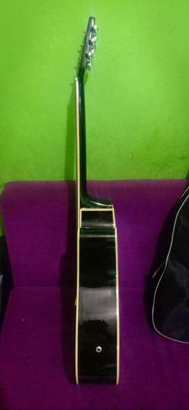 Gitar bekas merk lakewood