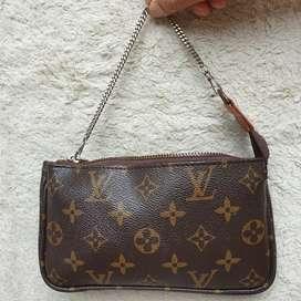 Louis Vuitton Pochette chain