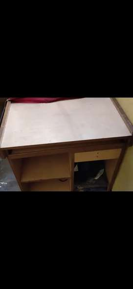 Computer/ Laptop table
