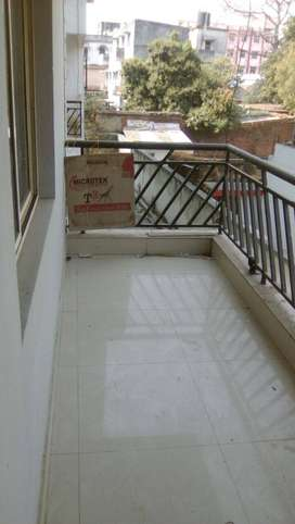 3 bhk flat is for sell in lalpur