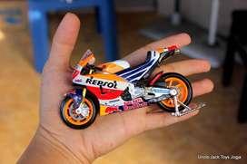 Mainan Anak - Miniatur Motor Moto GP Honda 93 - Marc Marquez