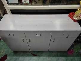 3 door cupboerd n drawer