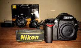 NIKON D90 WIT BOX AND ALL ACCESSORIES
