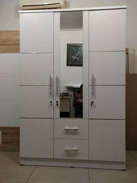 Lemari Pakaian 3 Pintu Full Putih + 2 Laci (bisa untuk baju gamis)