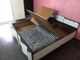 King size , double bed