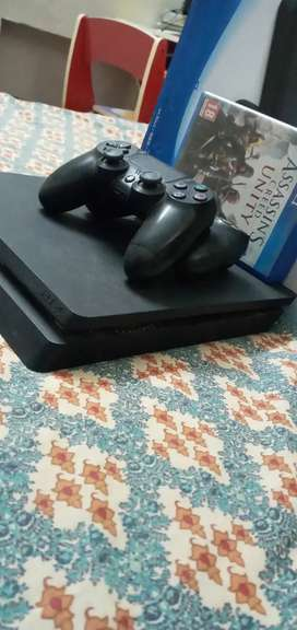 PS 4 in the best conditon with GTA 5,Assassin's Creed & COD blockops 3