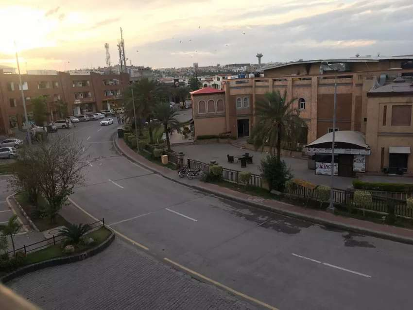 Bahria Town phase 8 10marla f3 block corner plot for sale 0