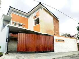 diJUAL Full Furnished Rumah 2-Lantai Baru Siap Huni Palagan Km.9