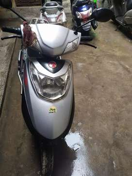 Hero electric scooty with lithium batter and in good condition