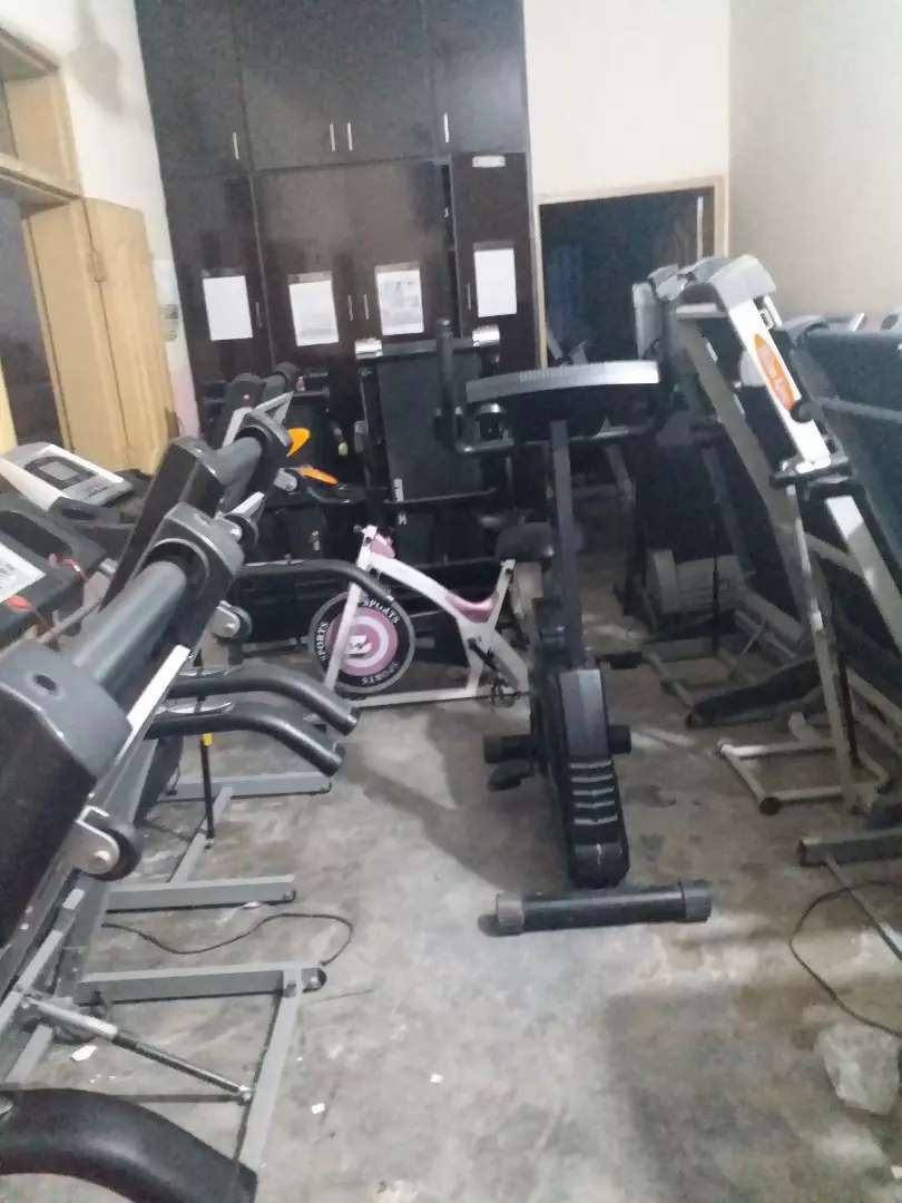 treadmill exercisecycle homegym twisterbench dumbles rods