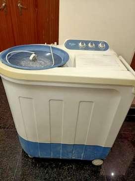2 years used washing machine whirpool