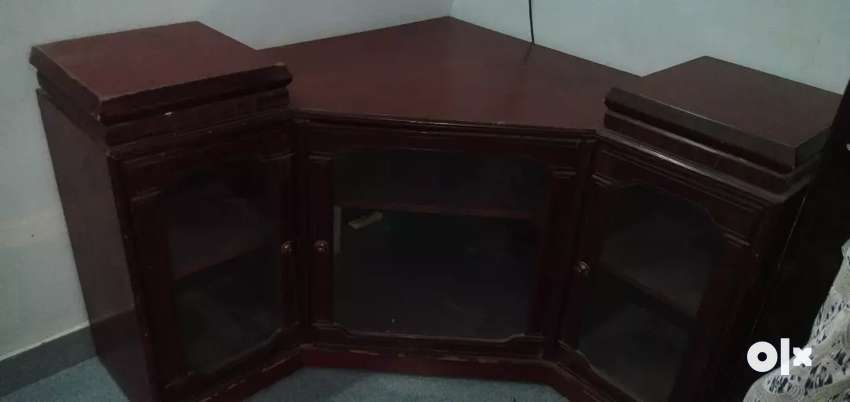 TV stand and showcase 0