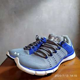 Under Armour MicroG size 44