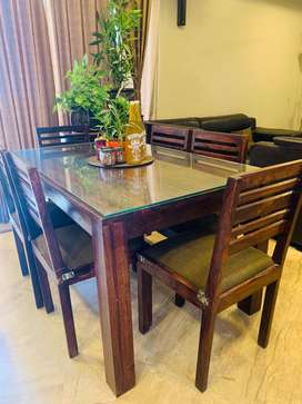 Sheesham 6 seater Dining table with glass top available for sale.