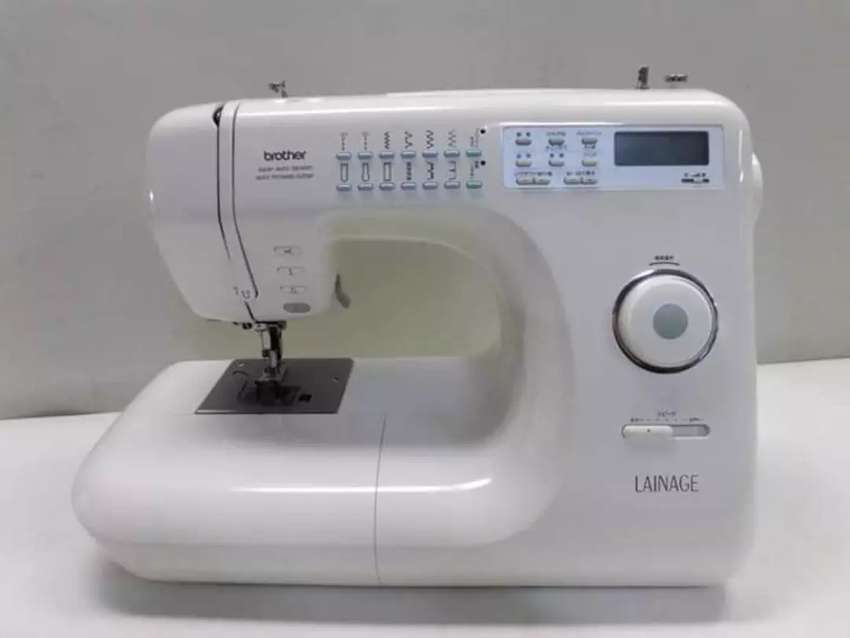 Sewing machine (brother LAINAGE)multi functional 0