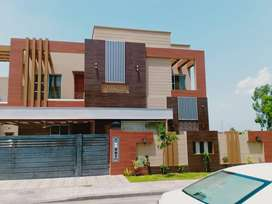 597 Hussain block 1 kanal Brand new house semi furnished for sale