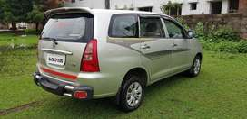 Toyota Innova 2.5 G 8 STR BS-III, 2005, Diesel