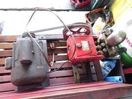 Steam motor mobil dengan dinamo