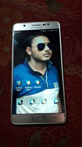 Samsung j7 max,4 gb ram