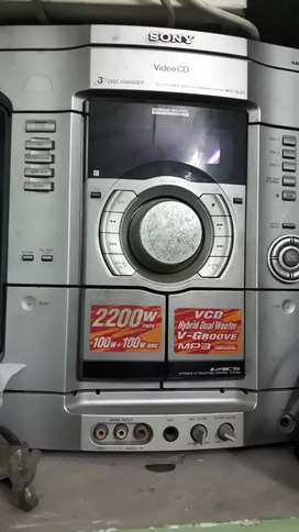 """Sony 21"""" TV and Sony 3 CD changer speakers"""